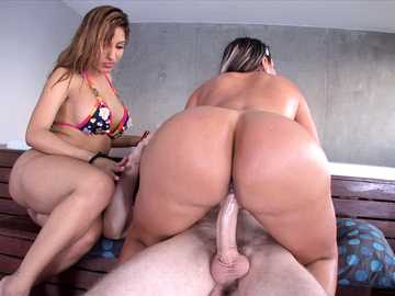 Two huge asses from colombia Sandra and Rianna get Fucked!
