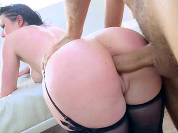 Long-expected anal fucking keeps brunette wife Veruca James very excited