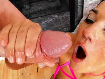 Extremely filthy double blowjob & deepthroat by Francesca Le & Amara Romani